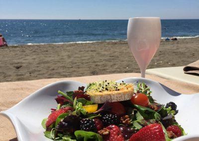 Lunch op het strand. Marbella