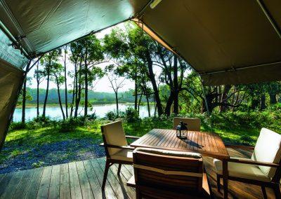tanja-lagoon-camp-luxury-safari-tent_CMYK